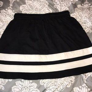 Black and white sporty skirt